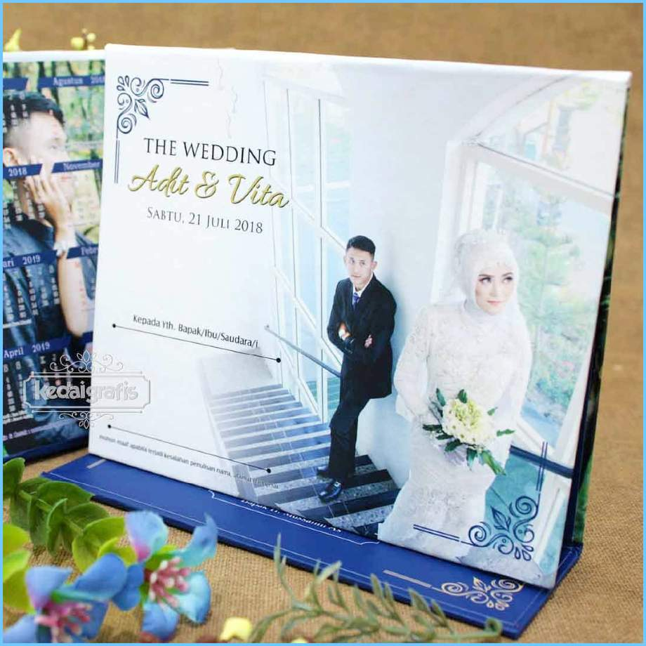 Undangan Pernikahan Kalender Duduk