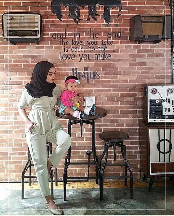 Dekorasi dinding cafe