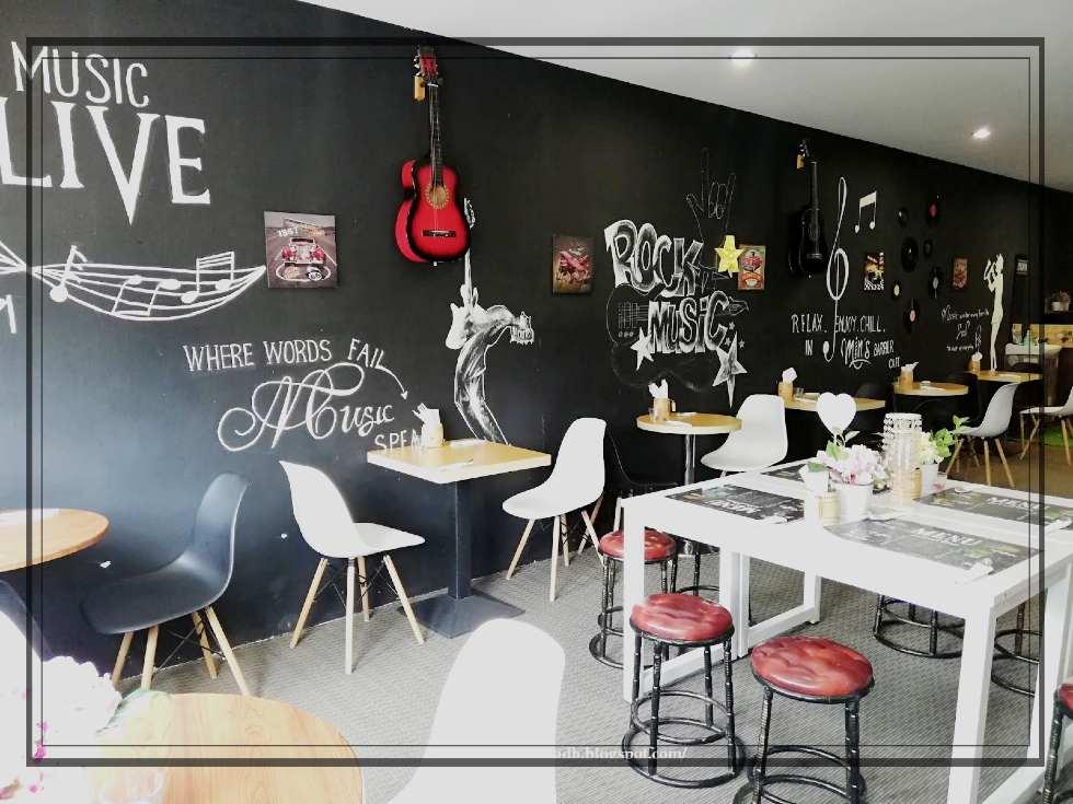 Lukisan dinding Hitam Putih Whizz Burger Cafe Pinang